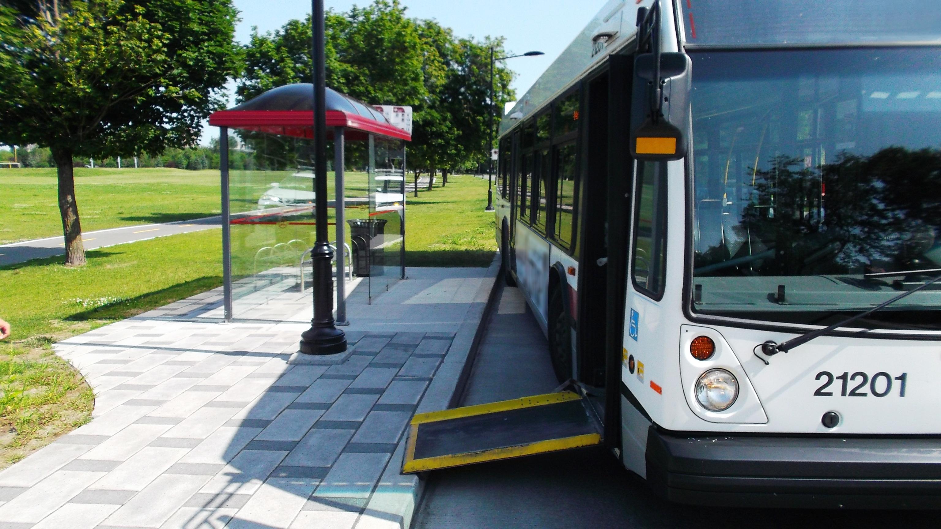 L'accès au transport collectif : un service essentiel pour une vie active